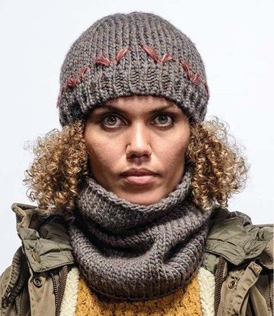 Buff Czapka Knitted Hat Lilie Brown